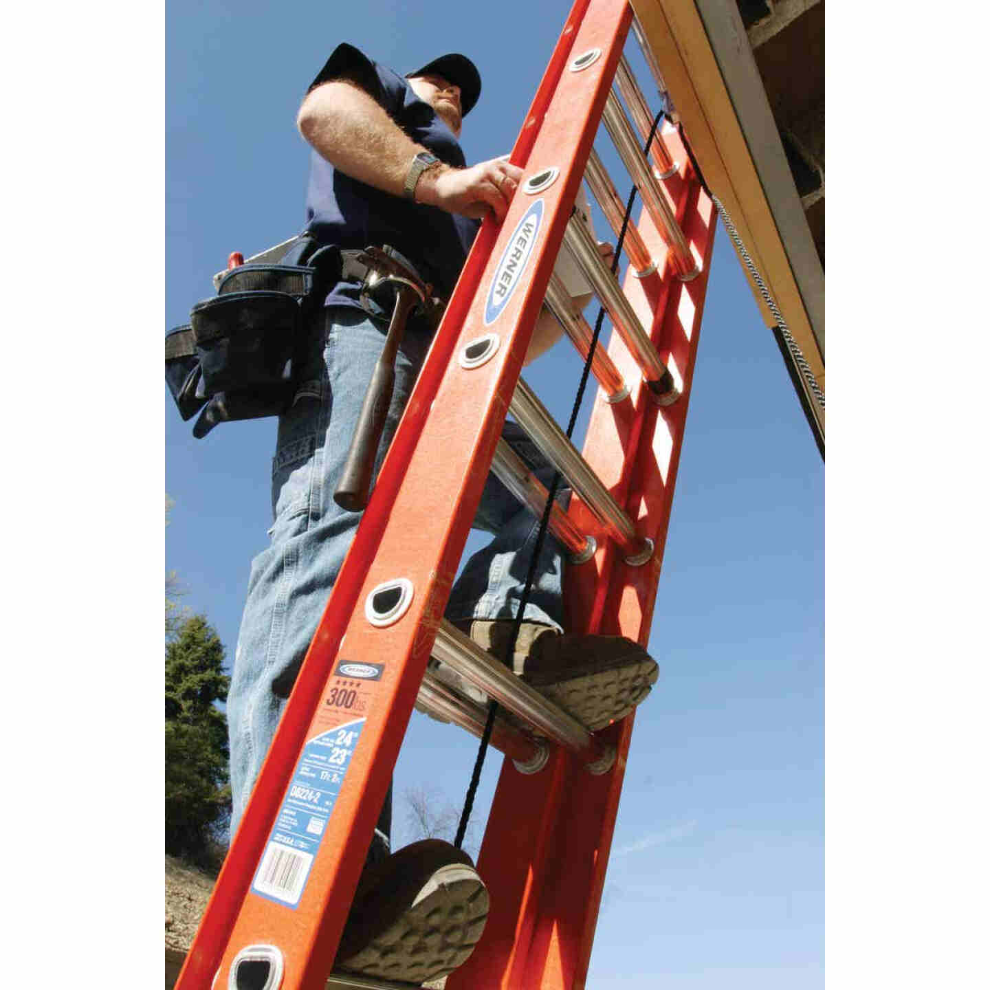 Werner 24 Ft. Fiberglass Extension Ladder with 300 Lb. Load Capacity Type IA Duty Rating Image 3