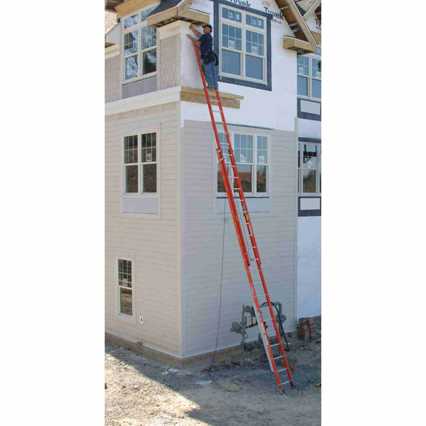 Werner 40 Ft. Fiberglass Extension Ladder with 300 Lb. Load Capacity Type IA Duty Rating Image 2