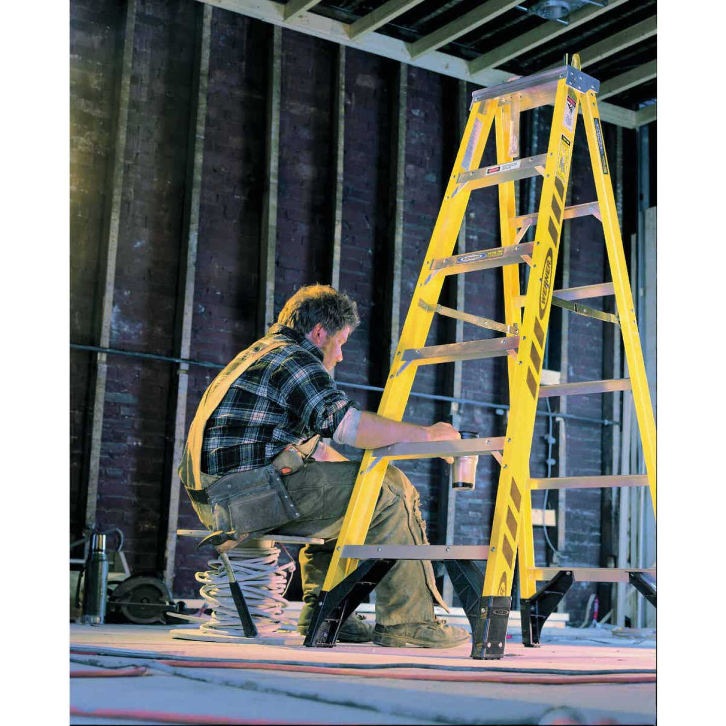Werner 6 Ft. Fiberglass Step Ladder with 375 Lb. Load Capacity Type IAA Ladder Rating Image 2