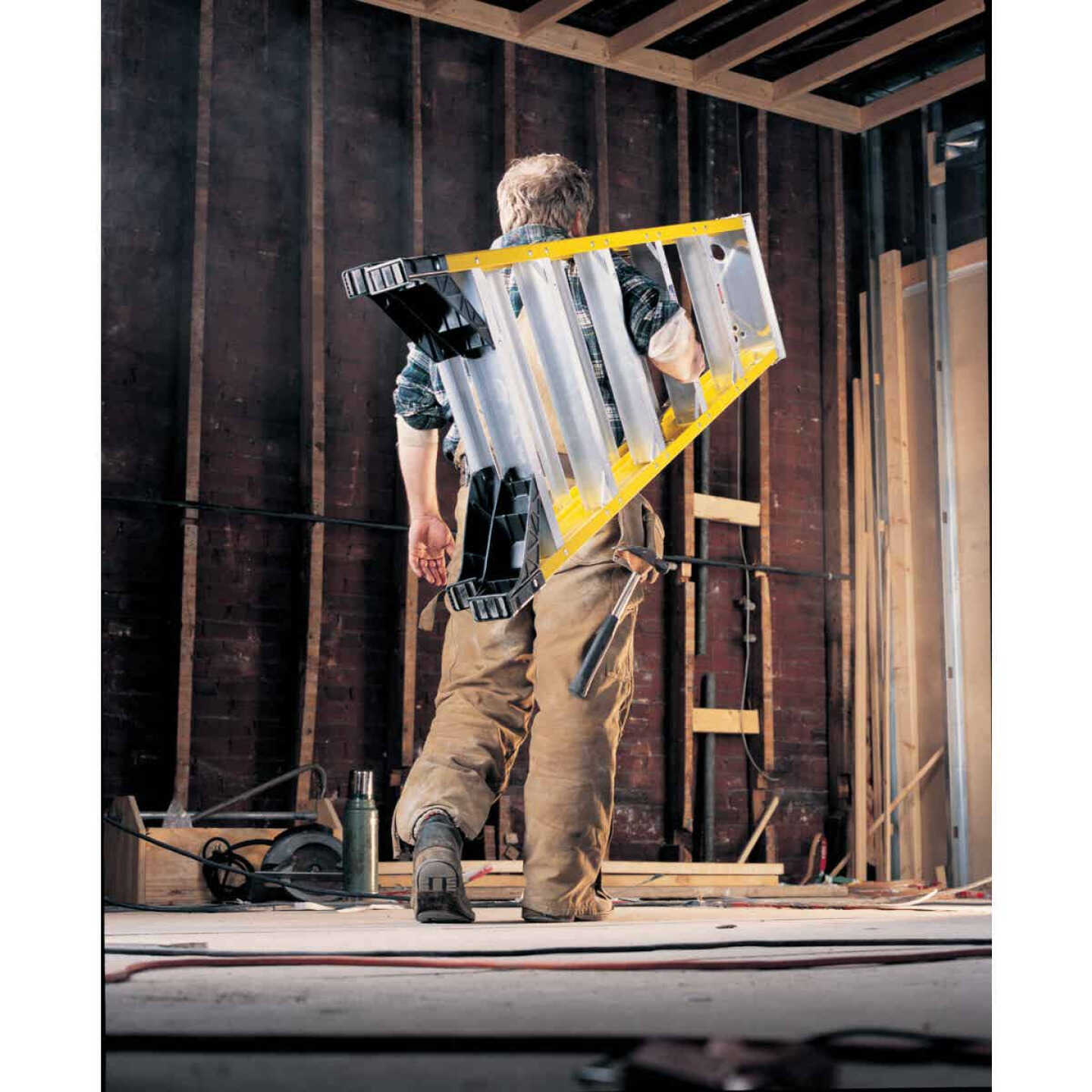 Werner 6 Ft. Fiberglass Step Ladder with 375 Lb. Load Capacity Type IAA Ladder Rating Image 3